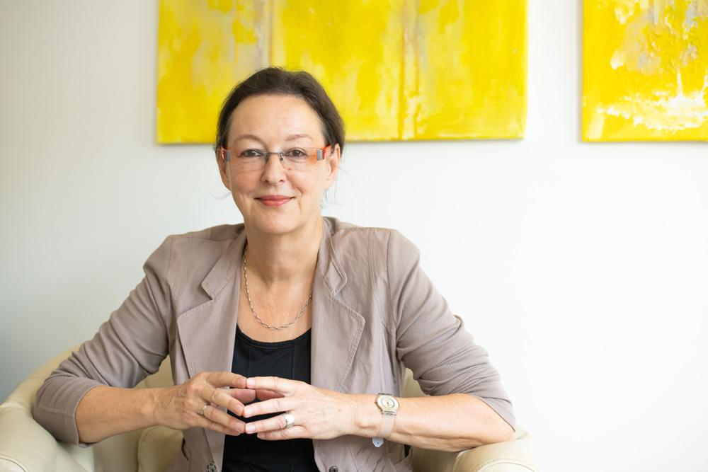 070_Dr-Ursula-Neidhardt
